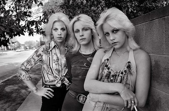Valley Chicks, 1977
