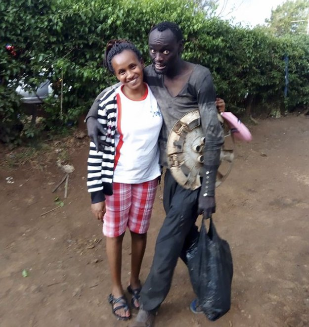 kenyan-lady-rescues-homeless-childhood-friend-wanja-mwaura-hinga-4-5a8e81843a618__700 Woman Finds Childhood Friend On Streets Addicted To Drugs, Transforms Him So Much We Can't Believe It's Same Man Design Random support