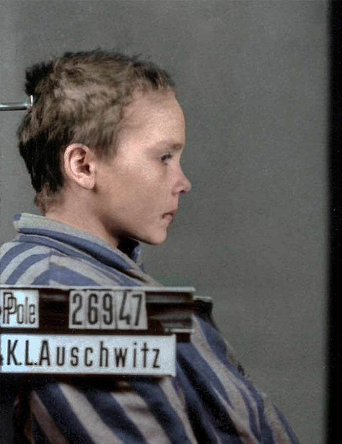 colorized-auschwitz-girl-czeslava-kwoka-black-white-historic-photos-marina-amaral-5aaa522f15a41__700 The Last Photos Of A 14-Year-Old Polish Girl In Auschwitz Get Colorized, And They'll Break Your Heart Design Photography Random