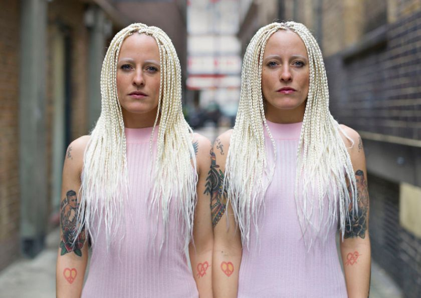 london-identical-twin-portraits-alike-but-not-like-peter-zelewski-21-5abb65e3e2e0c__880 Portraits Of Identical Twins Show Just How Different They Are Art Design Photography Random