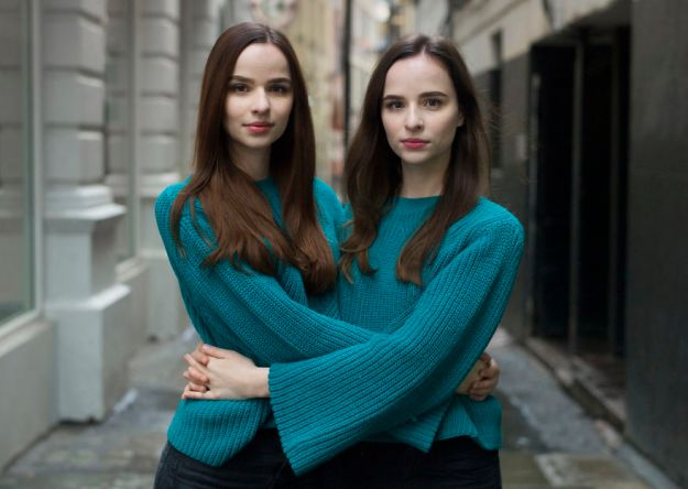 london-identical-twin-portraits-alike-but-not-like-peter-zelewski-26-5abb65ec7632b__880 Portraits Of Identical Twins Show Just How Different They Are Art Design Photography Random