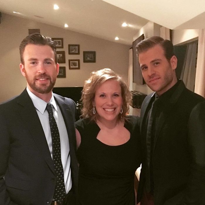 Chris Evans With His Brother Scott And Sister Carly