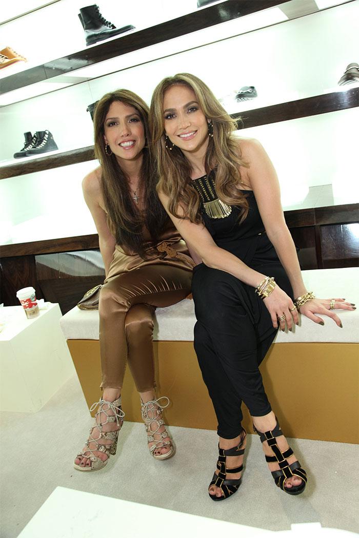 Jennifer Lopez With Her Sister Lynda