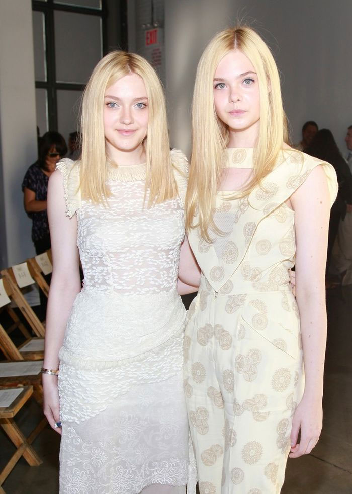 Dakota Fanning With Her Sister Elle Fanning