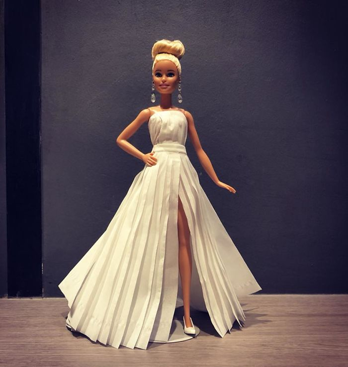 tissue-16-5ac238ffec16e__700 Man Uses Toilet Paper And Tissues To Create Wedding Dresses For His Barbies, And Result Is Amazing Art Design Random