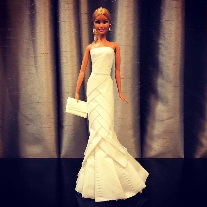 tissue-17-5ac2390317922__700 Man Uses Toilet Paper And Tissues To Create Wedding Dresses For His Barbies, And Result Is Amazing Art Design Random