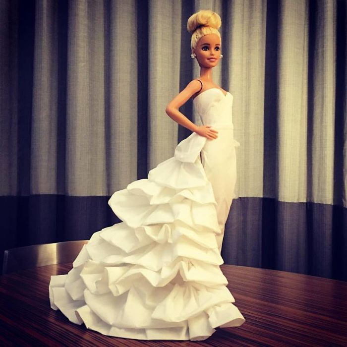 tissue-21-5ac23910147d2__700 Man Uses Toilet Paper And Tissues To Create Wedding Dresses For His Barbies, And Result Is Amazing Art Design Random