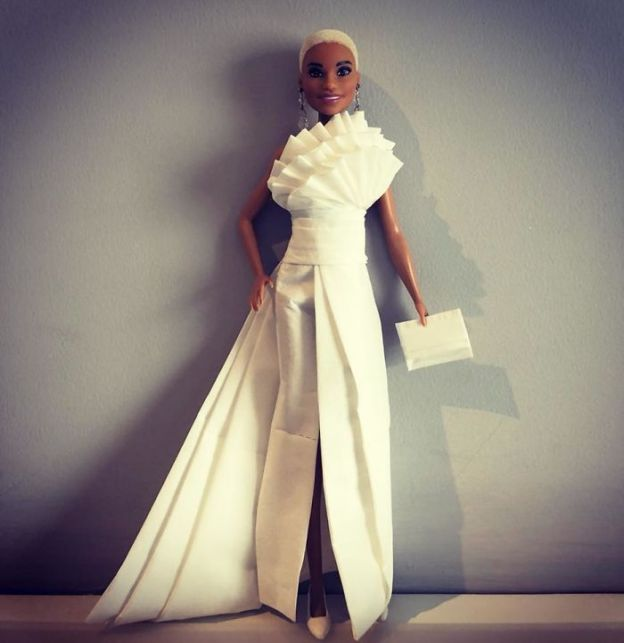 tissue-25-5ac239261ca5c__700 Man Uses Toilet Paper And Tissues To Create Wedding Dresses For His Barbies, And Result Is Amazing Art Design Random