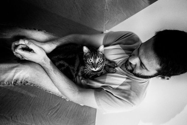 DSCF1193-170913def-5b02f2c76ee51__700 I Photograph Men With Their Cats And The Result Is Cuteness Overload! Design Photography Random