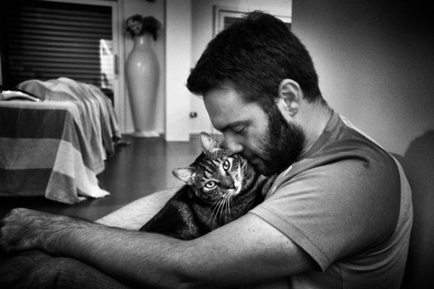 DSCF1196-170913-5b02f15eecf28__700 I Photograph Men With Their Cats And The Result Is Cuteness Overload! Design Photography Random