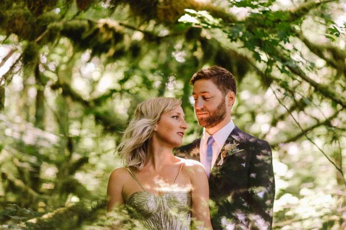 Phone-screen-reflection-trick-wedding-photography-mathias-fast-46