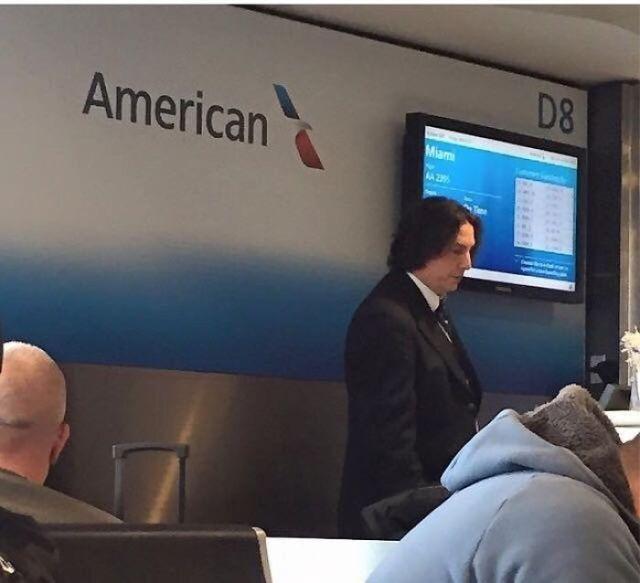 Parece que Snape trabaja en American Airlines