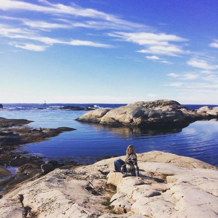 8Qb8LEJ9ks png  700 - Piloto sueca gata é sucesso no Instagram