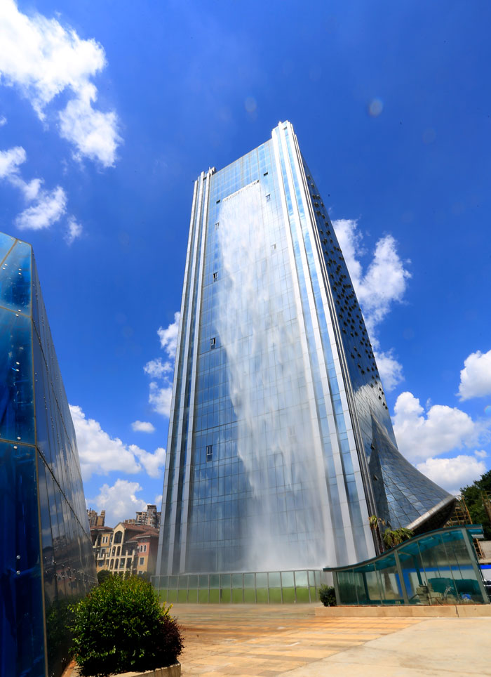 massive-artificial-waterfall-skyscraper-china -guiyang-30
