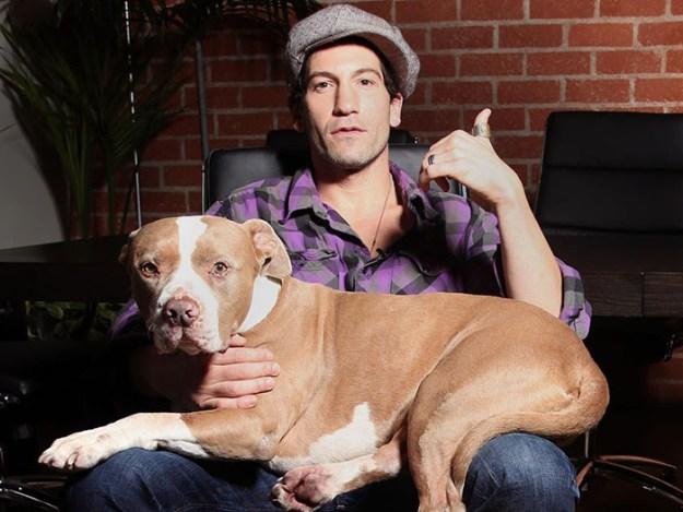 pitbull-lover-jon-bernthal-14-5b588e2f693ca__700 Heartwarming Photos Of 'The Walking Dead' Star With His 3 Rescue Pit Bulls Will Melt Your Heart Design Random