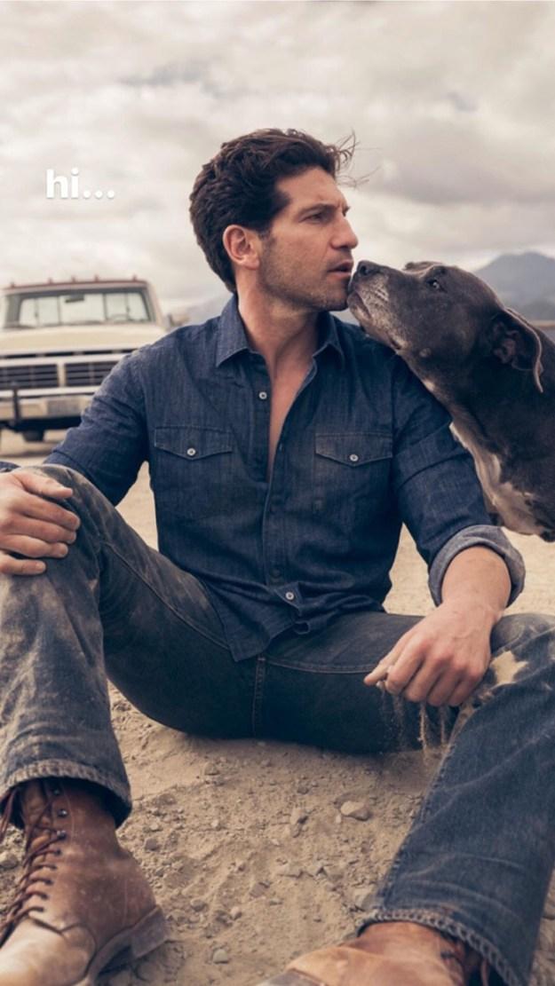 pitbull-lover-jon-bernthal-17-5b588e34d9349__700 Heartwarming Photos Of 'The Walking Dead' Star With His 3 Rescue Pit Bulls Will Melt Your Heart Design Random