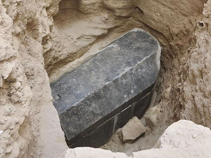 sealed-black-sarcophagus-discovered-egypt-22
