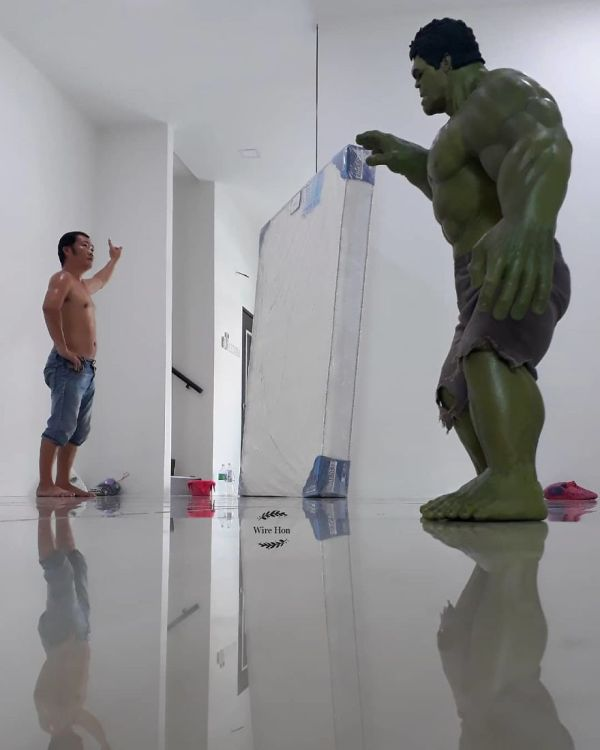With Just One Smartphone, Man Makes Incredible Pictures Of Him With Toy Superheroes Using Perspective