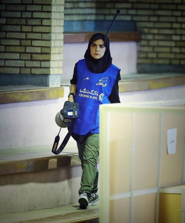 banned-from-stadium-iranian-female-photographer-shoots-football-match-roof9-5b7289c19cbd2__700 The Way This Female Journalist Bends The Rules After Getting Banned From Stadium Is Genius Design Photography Random