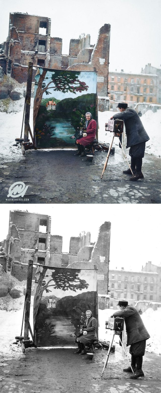 Fotógrafo empleando su fondo sobre las ruinas de Varsovia, Noviembre 1946