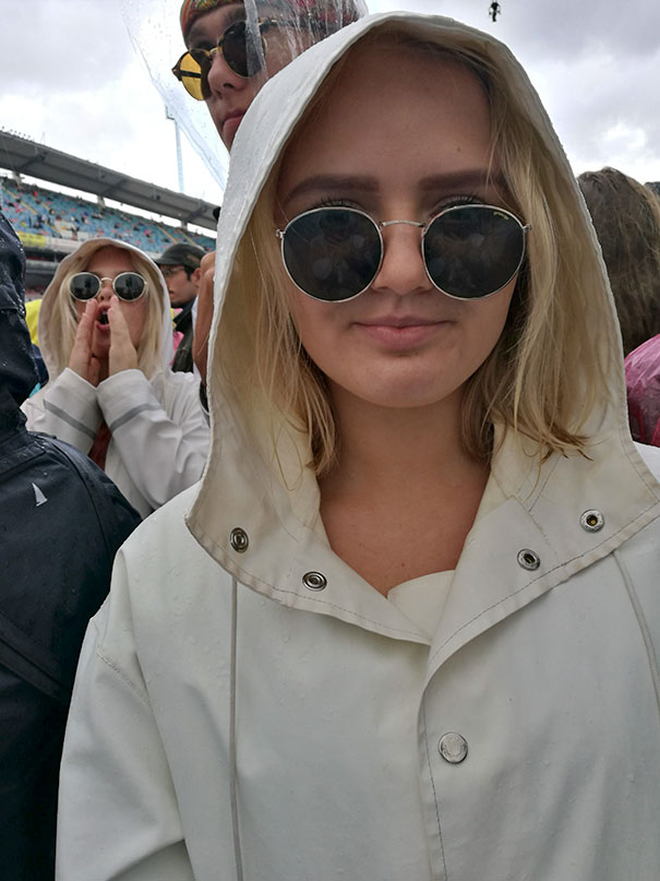 I Found My Sister's Doppelgänger At The Coldplay Concert In Gothenburg