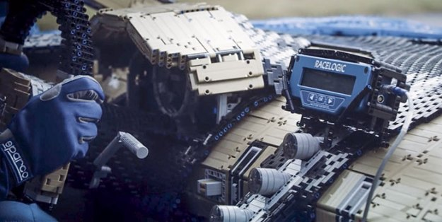 life-size-bugatti-chiron-lego21-5b88ec9c4e215__700 LEGO Builds Bugatti Chiron From 1,000,000+ LEGO Bricks, And This Test-Drive Video Shows Just How Epic It Truly Is Design Random