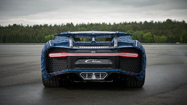 life-size-bugatti-chiron-lego23-5b88eca06213a__700 LEGO Builds Bugatti Chiron From 1,000,000+ LEGO Bricks, And This Test-Drive Video Shows Just How Epic It Truly Is Design Random
