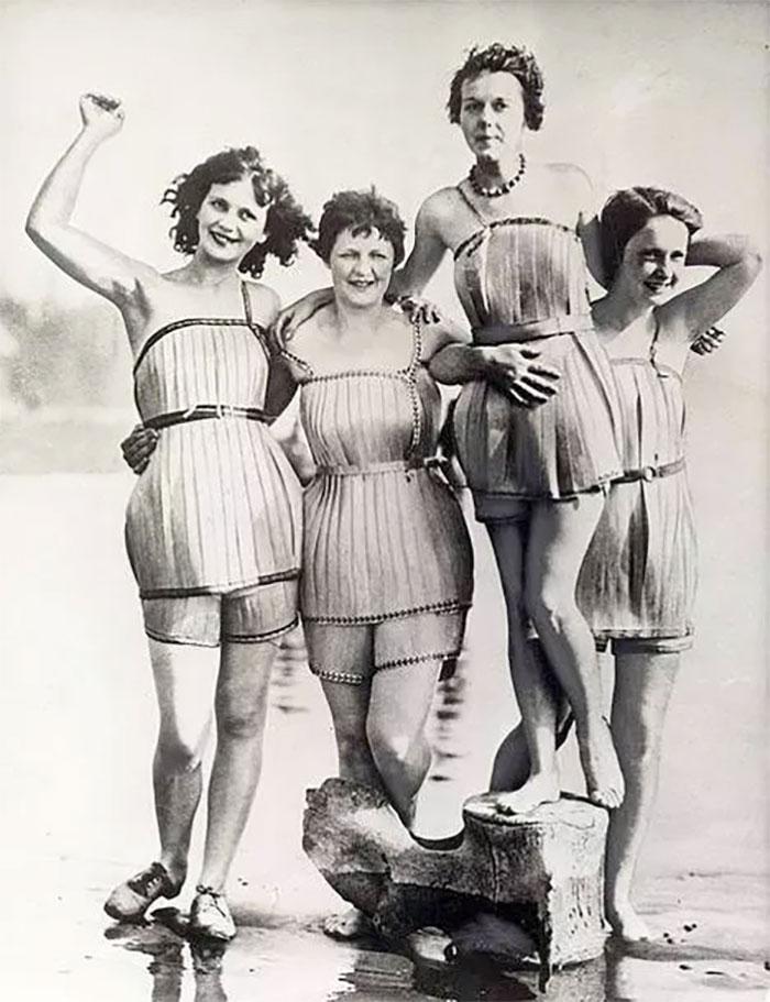 Maiôs de madeira, 1929