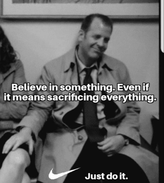 5b9223d04463d_w8D6-YBOTuaD2-nvlvcsX36cIxgfbnTZh70obF7tsVs__700 25+ Ways The Internet Reacted To Nike's Controversial Colin Kaepernick's Ad Design Random