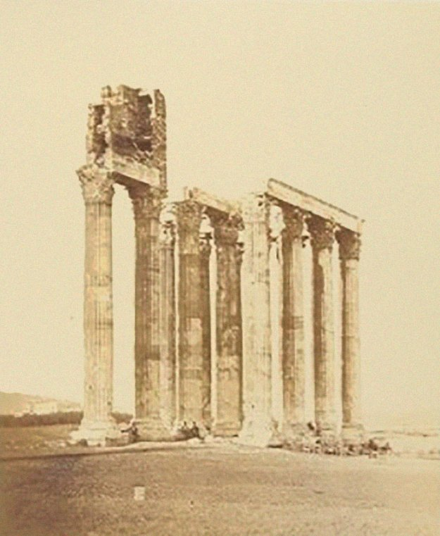 ancient-ruins-mystery-temple-olympian-zeus-athens-5ba36a4e8560e__700 Guy Notices Something Odd On Top Of Ancient Greek Temple In 1858 Photo, Makes Fascinating Discovery Design Random