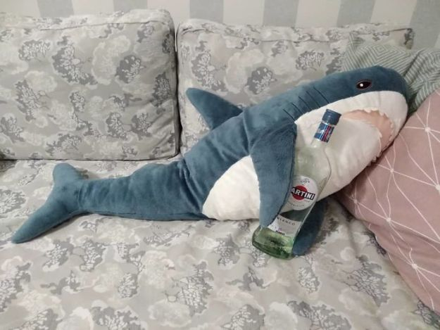BiKq-NlgWHA-png__700 IKEA Released An Adorable Plush Shark And People Are Losing Their Minds Over It Design Random