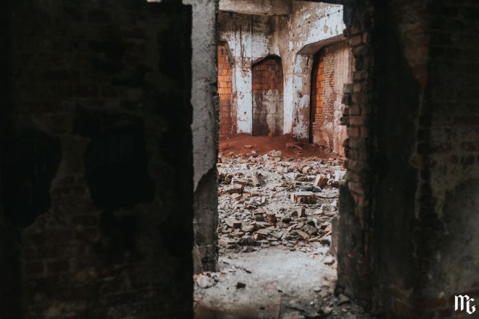 We Spend All Day On Urbex In An Old Paper Factory