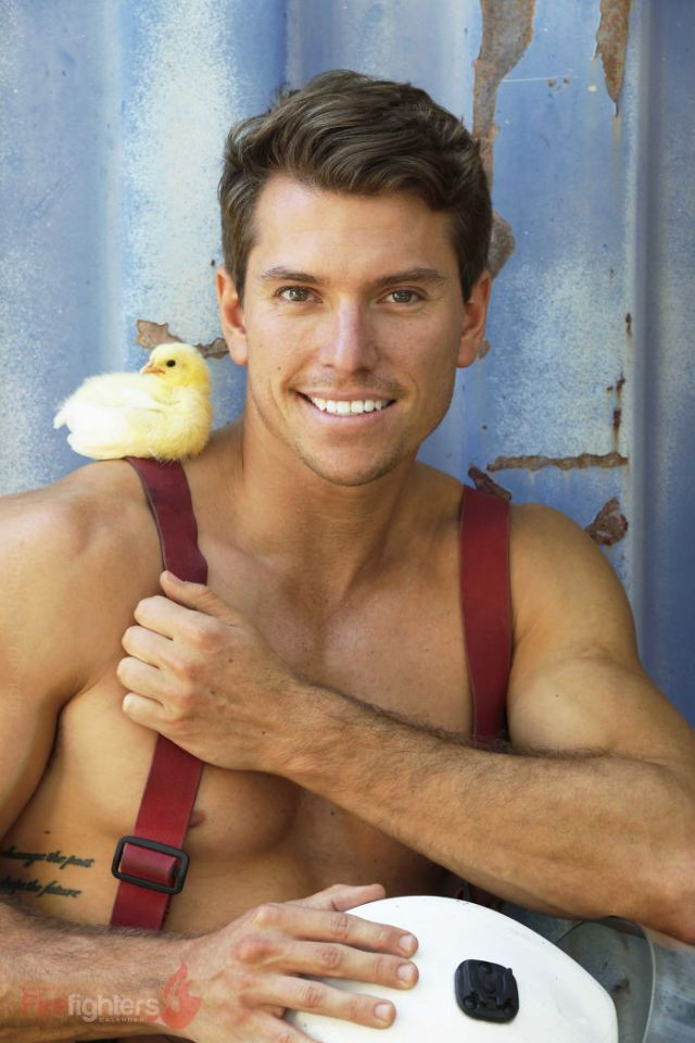 Australian Firefighters Pose With Animals For 2019 Charity Calendar, And The Photos Are So Hot It May Start Fires
