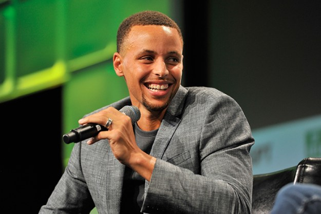 girl-letter-shoe-sizes-riley-morrison-stephen-curry-1-5c00e5600c665__700 9-Year-Old Girl Writes A Letter To NBA Star Steph Curry Complaining His Shoes Are Only For Boys, He Responds With A Gift Design Random