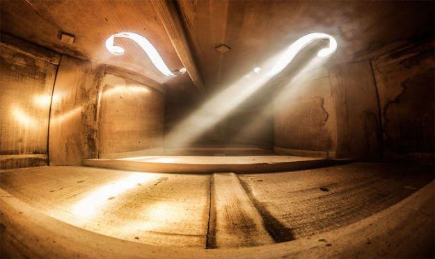 photographs-inside-cello-adrian-borda-19-5be18c1d7a15d__700 10 Incredible Photos Taken Inside Music Instruments By A Romanian Photographer Design Photography Random