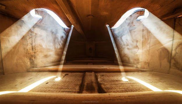 photographs-inside-cello-adrian-borda-22-5be18c24563bc__700 10 Incredible Photos Taken Inside Music Instruments By A Romanian Photographer Design Photography Random