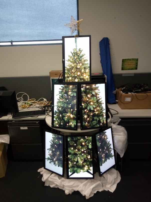 I Made An IT Christmas Tree Made Of Monitors