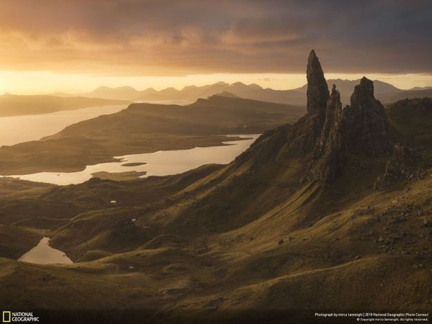 national-geographic-nature-photographer-of-the-year-2018-winner-64-5c0a36014cce7__880 50 Of The Most Incredible Photos Of The National Geography Photo Contest Of 2018 Design Photography Random