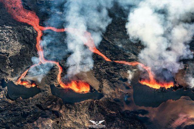 Los tres volcanes, por Dronecopters