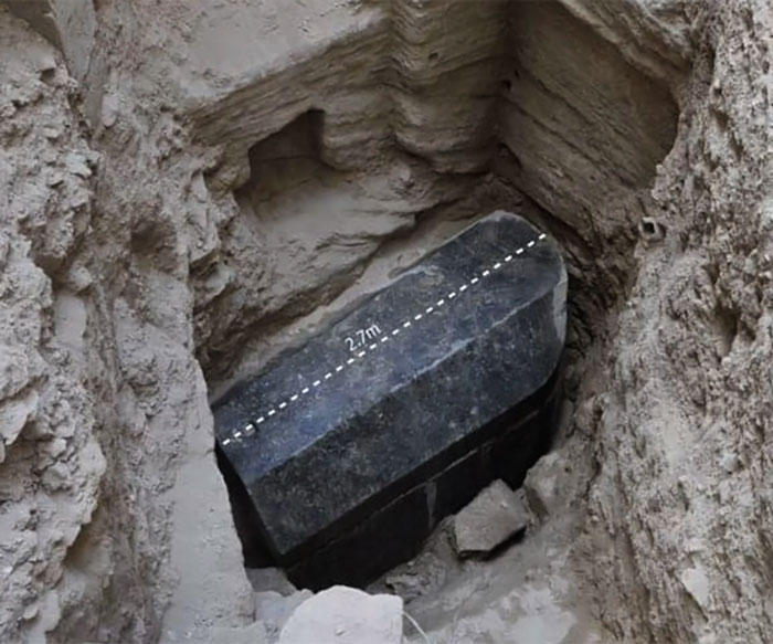 Sarcophagus Bodies With Weird Red Sewage Inside