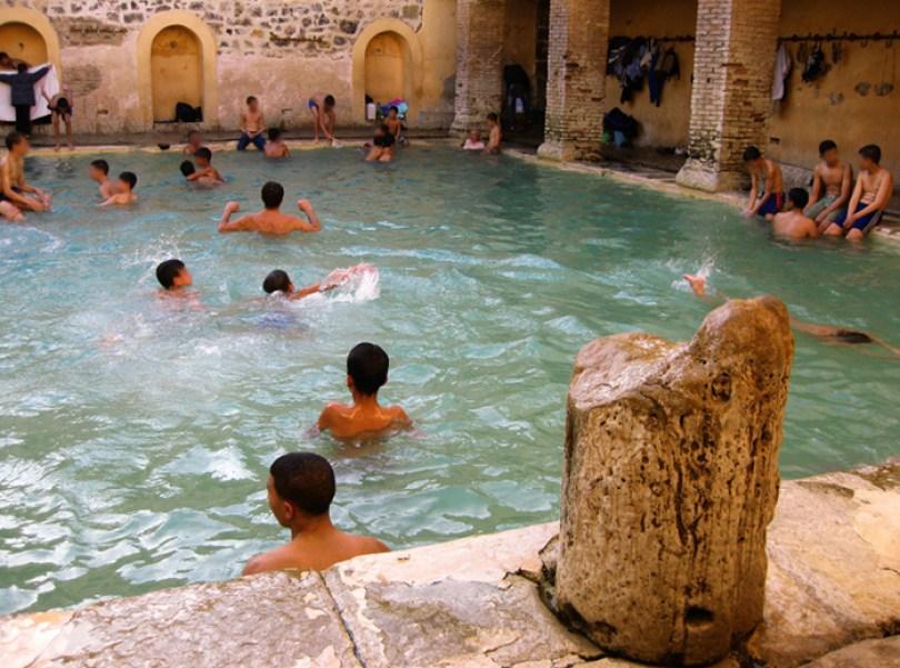 hammam essalhine roman bathhouse khenchela algeria 2 5c90e162e10db  700 - Balneário romano construído mais de 2.000 anos atrás ainda está funcionando