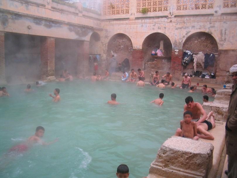 hammam essalhine roman bathhouse khenchela algeria 3 5c90e16597e83  700 - Balneário romano construído mais de 2.000 anos atrás ainda está funcionando