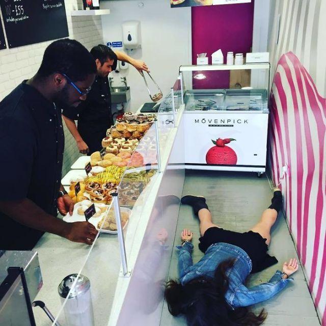 En la bazar de donuts Dum Dums