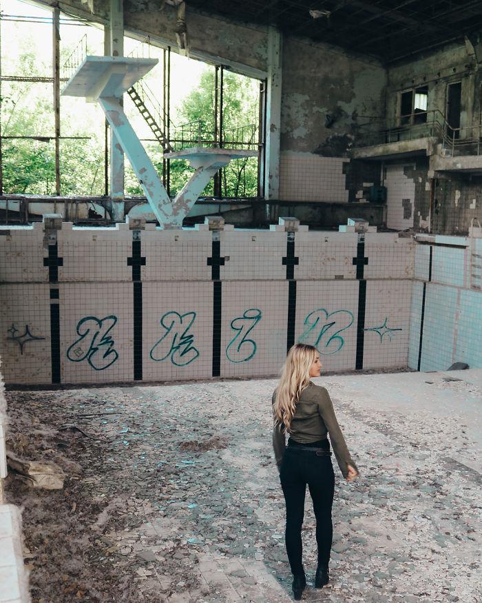 """Bj2kIaQg0ey 3 png  700 - Criador de """"Chernobyl"""" da HBO dá puxão de orelha em """"famosinhos"""" do Instagram"""