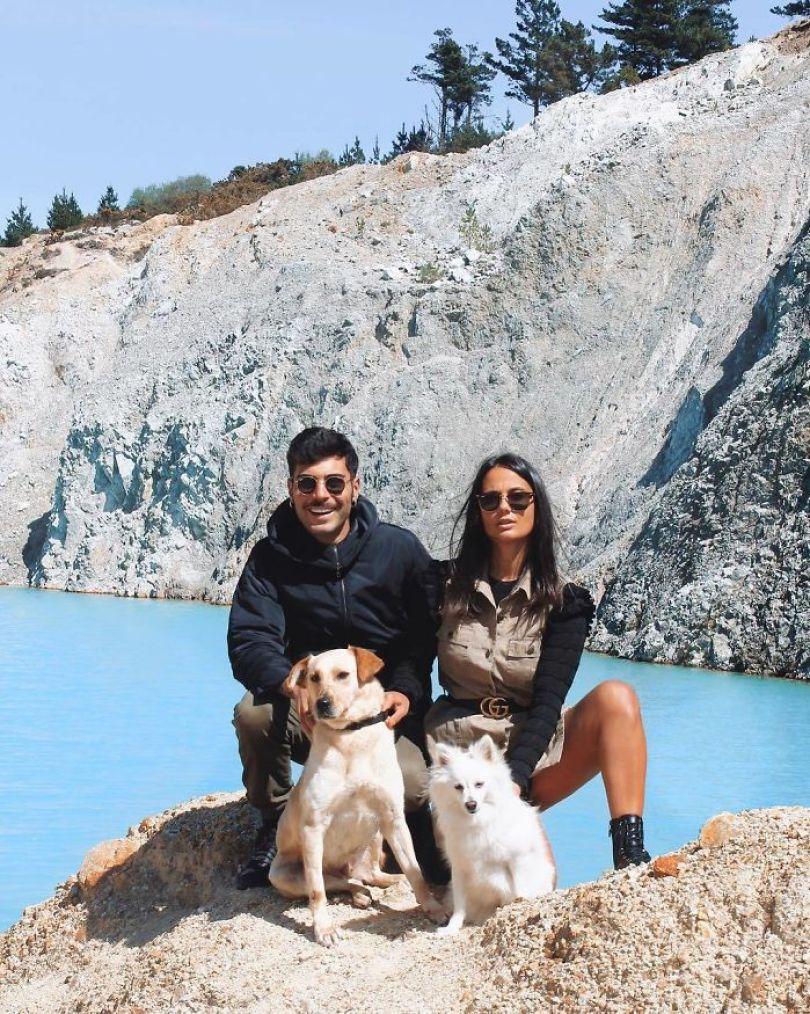BwP1m0nAt3i png  700 - Instagramers confundem lixo tôxico por lindo lago azul