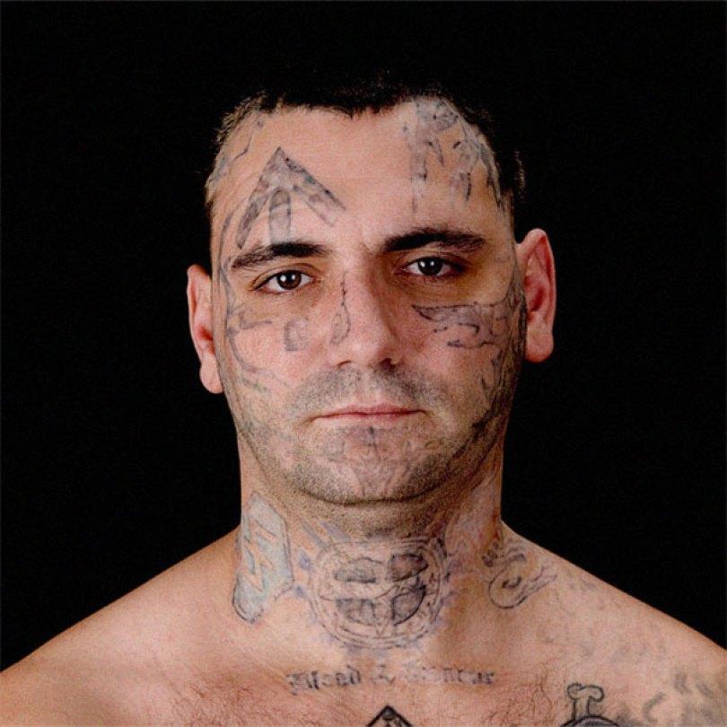 former racist nazi face tattoo removal bryon widner 5 5d4c001073138  605 - Relembre o ex-Skinhead que se arrependeu de suas tatuagens depois de ser pai