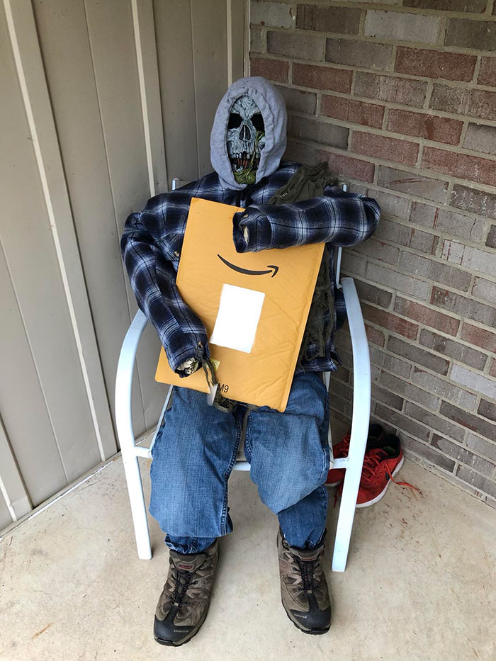 I Woke Up To An Amazon Package Being Delivered And The Delivery Woman Decided To Have Some Fun With My Halloween Decoration On My Front Porch