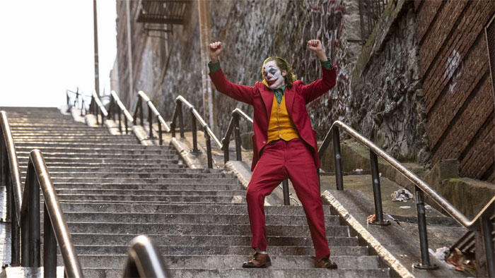 joker stairs tourist attraction new york 5db0003d0fb5a  700 - Escadas do 'Coringa' em Nova York se tornam uma atração turística!