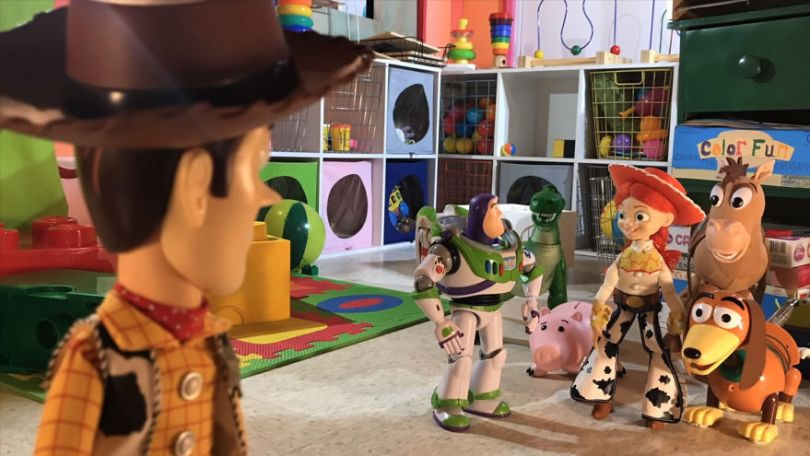 """Two brothers completely remake Toy Story 3 with real toys in 8 years 5e313b8c73222 png  880 - Inacreditável! Irmãos recriaram o """"Toy Sotry 3"""" durante 8 anos"""