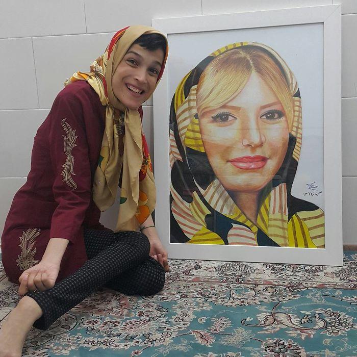 Iranian artist is thrilling the world by painting portraits with his feet 5ea6fb0fd687f  700 - Você não vai acreditar! Artista desafia a deficiência desenhando com o pé